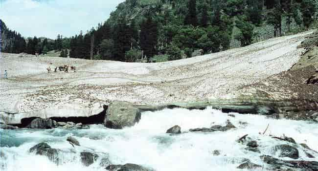 chandanwari snow bridge