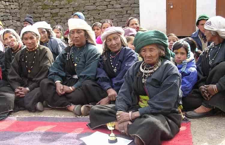 bhotia-women-dress-min