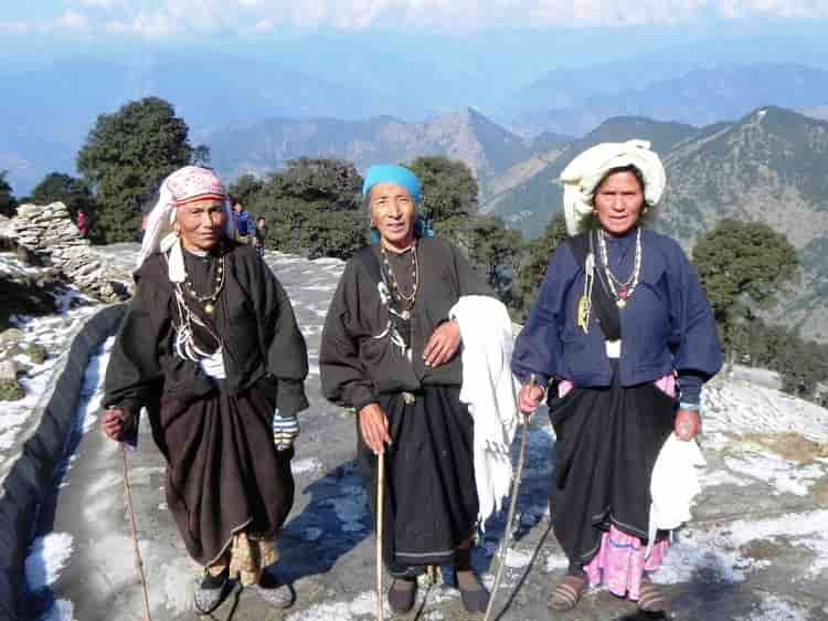 garhwali-traditional-dress