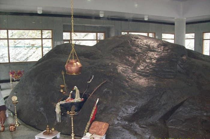 inside kedarnath temple