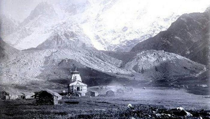 Old picture of Kedarnath Temple